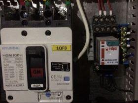 Отключение вентиляции автоматом Hyundai HGM 100H с шунтовым расцепителем